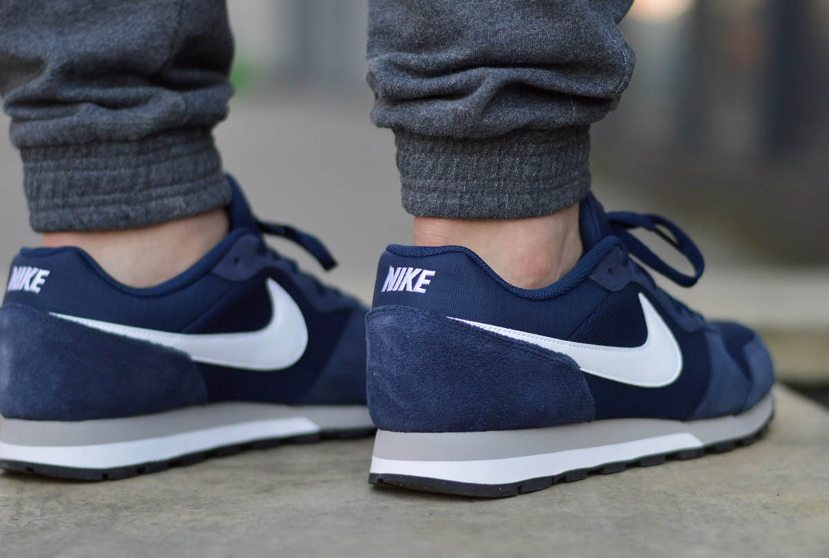 Details about Nike MD Runner 2 749794 410 Men's Sneakers